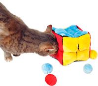 Trixie Katzenspielzeug Plüschwürfel mit Catnip-Bällen