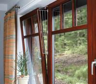 Trixie Kippfenster Schutzgitter für Katzen, eckig, 16 x 65 cm