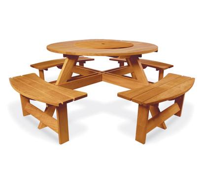 Picknicktisch mit Bänken