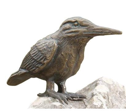 Rottenecker Bronzefigur Eisvogel auf Mondgestein