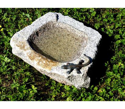 Rottenecker Granit-Vogeltränke mit Eidechse
