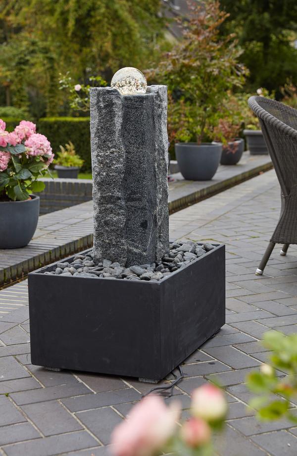 Dehner Granit-Gartenbrunnen Beata, ca. B68/H85/T45 cm