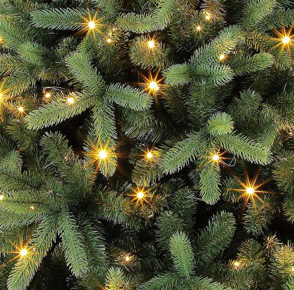 Dehner künstlicher LED-Weihnachtsbaum 'Stellan', 210 cm