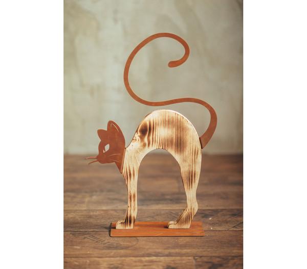 Ferrum buckelnde Holz-Katze mit Metall-Applikationen, 32 x 51 cm, rost