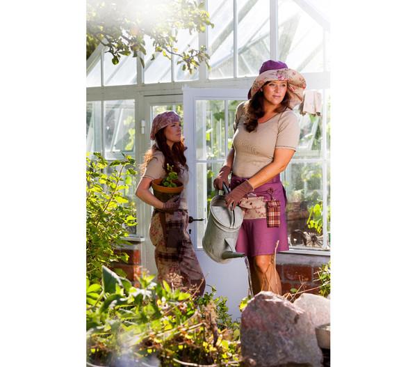 Garden Girl Pretty Hut Classic