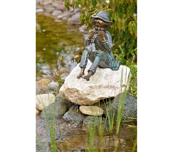 Rottenecker Bronzefigur Junge Til mit Mundharmonika