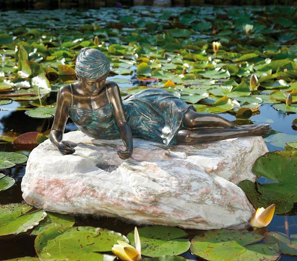 Rottenecker Bronzefigur Mädchen Klementine klein