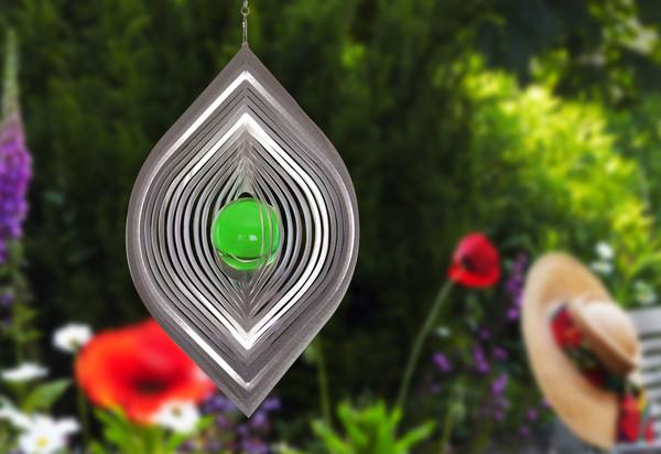 Windspiel Blatt mit grüner Kugel